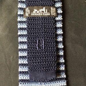 Hermès 100% hand knitted silk square tie